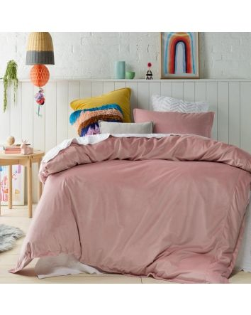 Jiggle and Giggle Velvet Quilt Pink